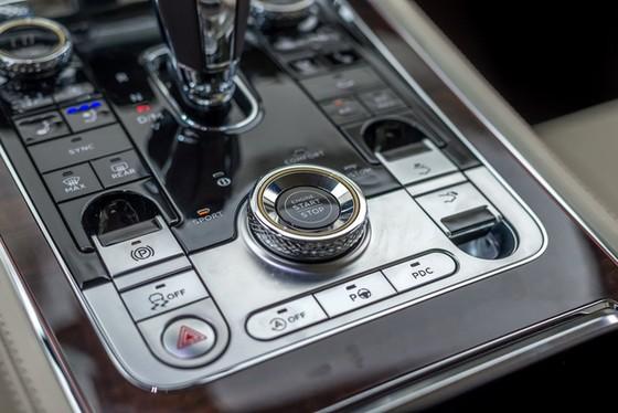Coupe hạng sang Bentley Continental GT 2018 hăm hở ra mắt nhà giàu Đông Nam Á - Ảnh 13.