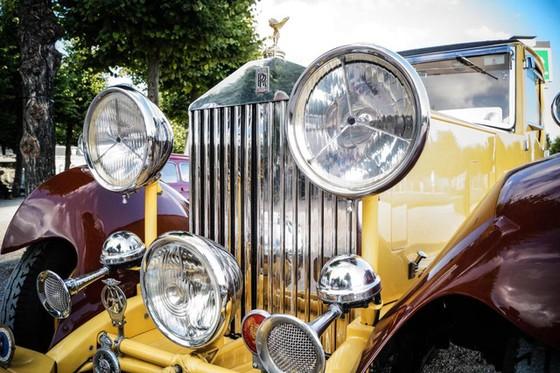 Làm quen với chiếc Rolls-Royce có một không hai được dùng làm xe đi săn của một Tiểu vương - Ảnh 5.