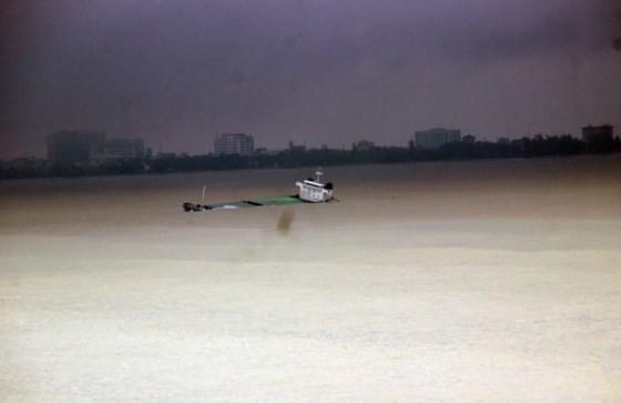 """Các tàu hàng bị bão đánh bật đều là tàu """"vãng lai"""" ảnh 2"""