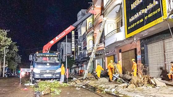 Khánh Hòa, Phú Yên - dồn sức khắc phục hậu quả bão ảnh 3