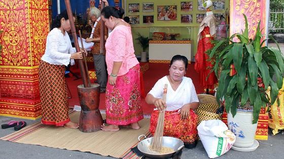 Tưng bừng ngày hội văn hóa Khmer Nam bộ - Ảnh 10.