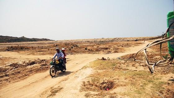 Ninh Thuận khô hạn, hồ thủy lợi trơ đáy - Ảnh 5.