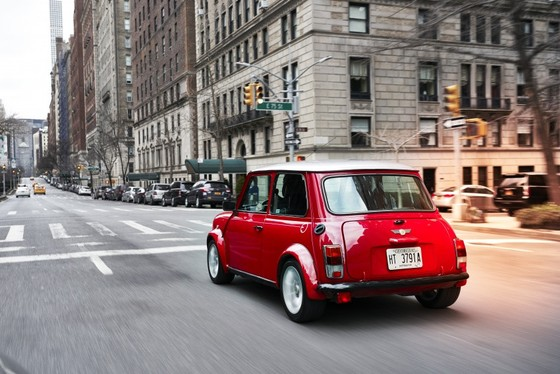 Classic Mini Electric - xe dien phong cach retro ra mat tai New York hinh anh 9