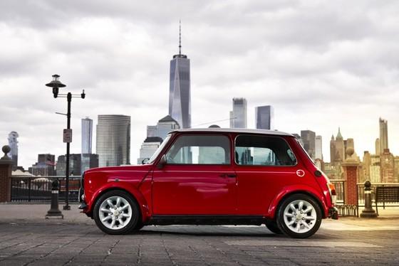 Classic Mini Electric - xe dien phong cach retro ra mat tai New York hinh anh 2