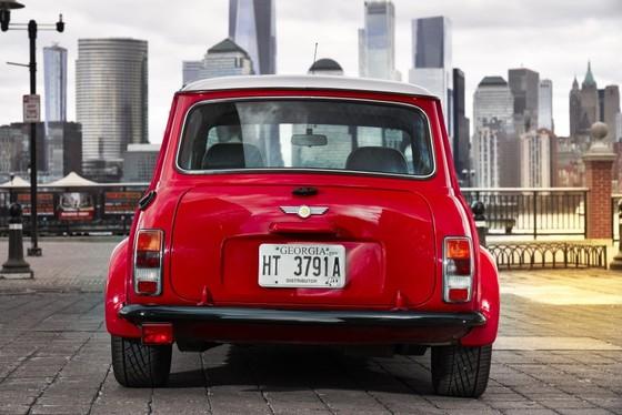 Classic Mini Electric - xe dien phong cach retro ra mat tai New York hinh anh 8