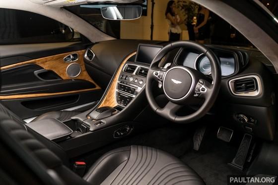 Aston Martin DB11 V8 ra mat Dong Nam A, gia 465.000 USD hinh anh 4