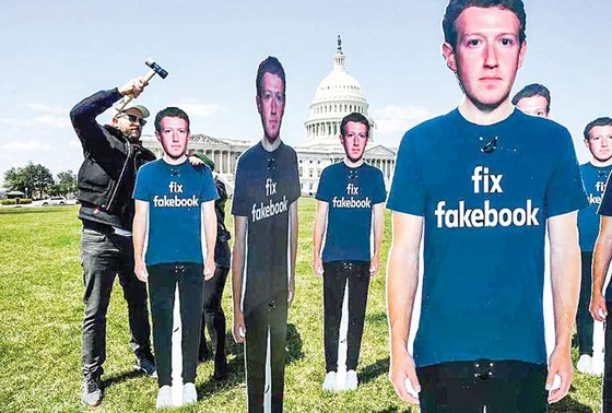 Facebook - Rủi ro thời đại số (K2): Khó đảm bảo quyền riêng tư ảnh 1