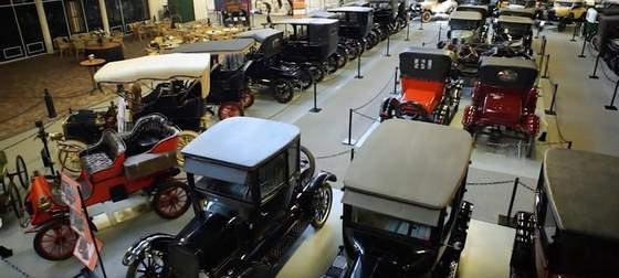 Bộ sưu tập xe Ford lớn nhất thế giới chuẩn bị được đem bán đấu giá - Ảnh 2.