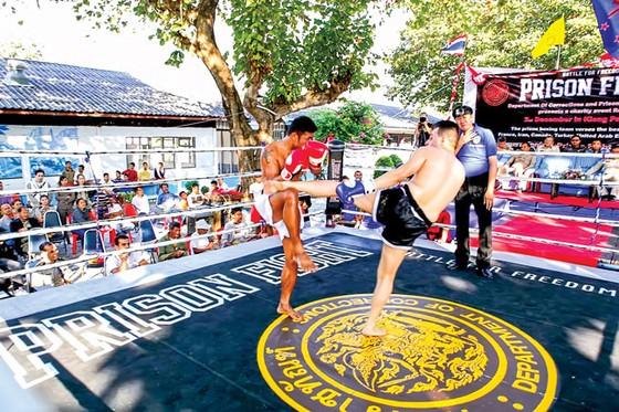 Những nhà tù kỳ lạ (K2): Tổ chức boxing trong nhà lao ảnh 1