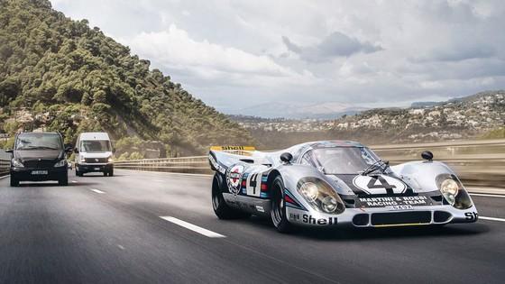 'Do' Porsche 917 hop phap de chay tren pho hinh anh 1