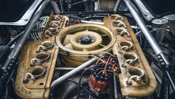 'Do' Porsche 917 hop phap de chay tren pho hinh anh 4
