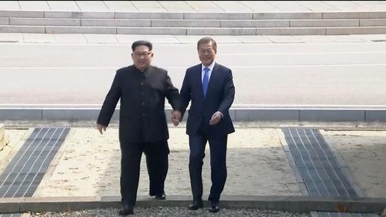 Lãnh đạo liên Triều kết thúc vòng đàm phán đầu tiên ảnh 14