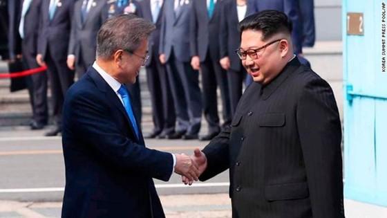 Lãnh đạo liên Triều kết thúc vòng đàm phán đầu tiên ảnh 16