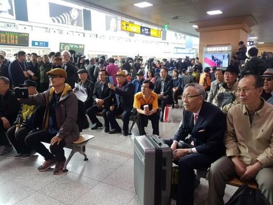 Lãnh đạo liên Triều kết thúc vòng đàm phán đầu tiên ảnh 6