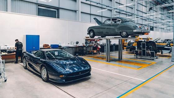 Đây là kho tàng xe cổ bí mật của Jaguar Land Rover - Ảnh 16.