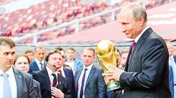 World Cup - Trái bóng và lợi nhuận? (K2): Cơ hội hốt tiền ảnh 1