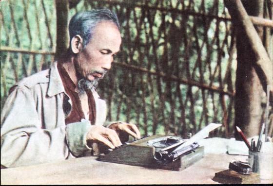 Bác Hồ - Nhà báo vĩ đại của dân tộc ảnh 1