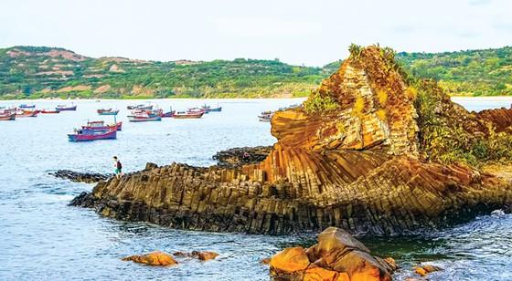 Tuyệt cảnh bờ biển Nam Trung Bộ ảnh 9