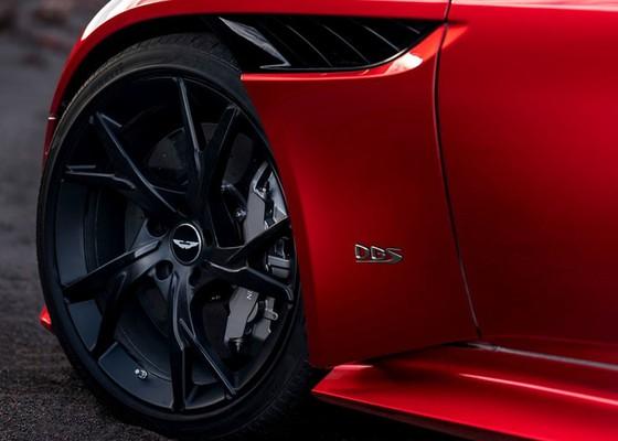 Aston Martin DBS Superleggera 2019 ven man, manh hon 700 ma luc hinh anh 5