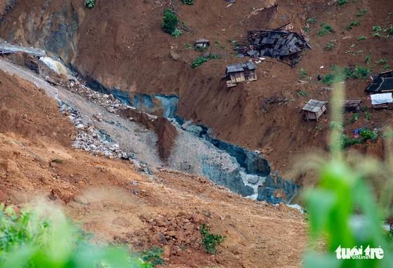 Bản Sáng Tùng bị xóa sổ sau vụ sạt lở đất ở Lai Châu - Ảnh 5.