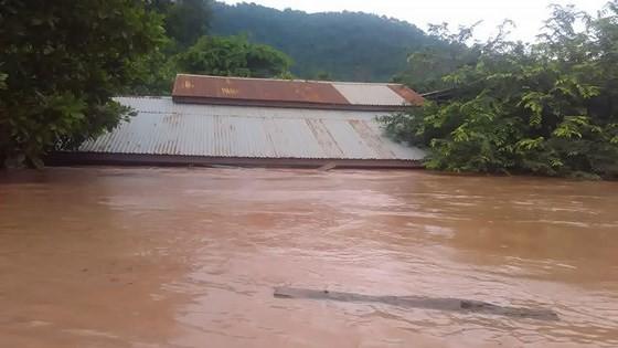 Người dân khu vực hạ lưu được thông báo sơ tán trước khi xảy ra sự cố vỡ đập thủy điện Sepien Senamnoi? ảnh 8