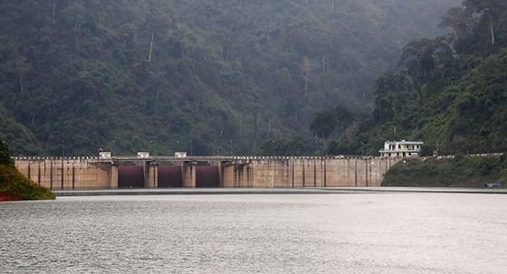 Các thủy điện ở Quảng Nam cần xây dựng những giải pháp xử lý khẩn cấp khi có sự cố xảy ra (trong ảnh: Thủy điện A Vương) Ảnh: NGỌC PHÚC