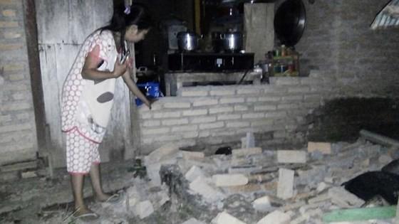 Số nạn nhân thiệt mạng do động đất và sóng thần tại Indonesia đã lên tới gần 400 người ảnh 14