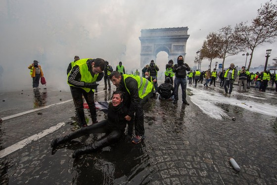 Kinh tế Pháp thiệt hại vì Áo vàng ảnh 1