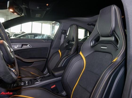 Mercedes-Benz CLA45 AMG Yellow Night Edition, giá 2,578 tỷ đồng ảnh 19