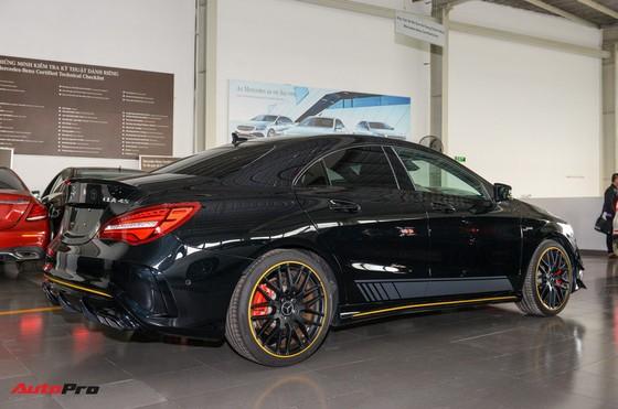 Mercedes-Benz CLA45 AMG Yellow Night Edition, giá 2,578 tỷ đồng ảnh 3