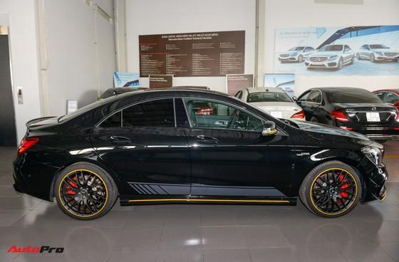 Mercedes-Benz CLA45 AMG Yellow Night Edition, giá 2,578 tỷ đồng ảnh 2