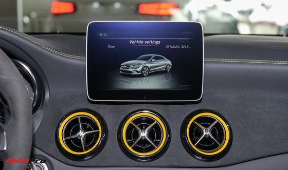 Mercedes-Benz CLA45 AMG Yellow Night Edition, giá 2,578 tỷ đồng ảnh 12