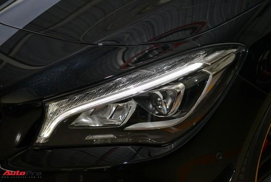 Mercedes-Benz CLA45 AMG Yellow Night Edition, giá 2,578 tỷ đồng ảnh 9