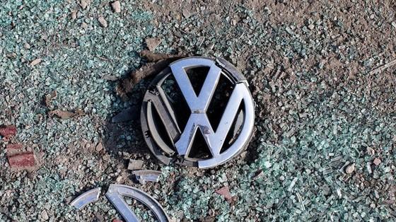 Bê bối động trời: Volkswagen bán hàng nghìn xe không đạt chuẩn cho khách hàng