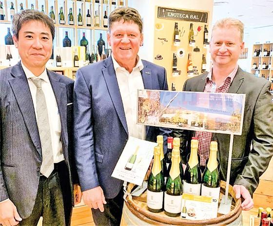 Chinh phục thị trường rượu vang thứ 2 thế giới ảnh 1
