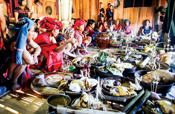 Lễ hội Aza Koonh của đồng bào Pa Cô ảnh 5