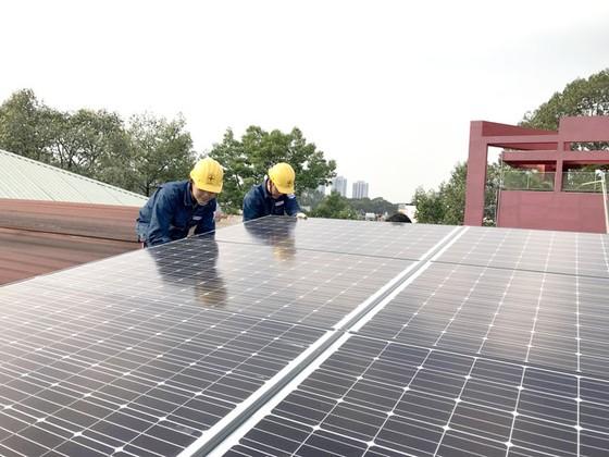 Hiệu quả kép từ lắp đặt điện mặt trời áp mái ảnh 2