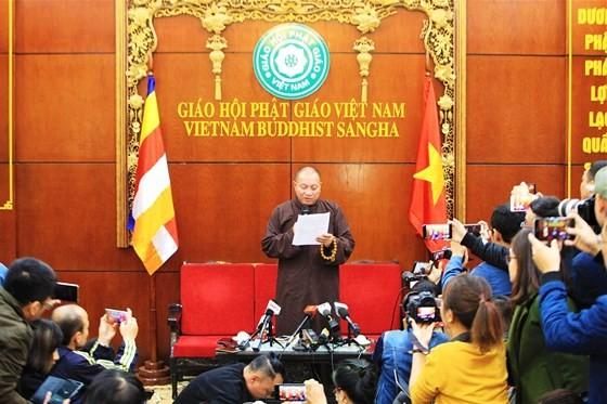 Đình chỉ tất cả chức vụ trong Giáo hội Phật giáo đối với trụ trì chùa Ba Vàng ảnh 1