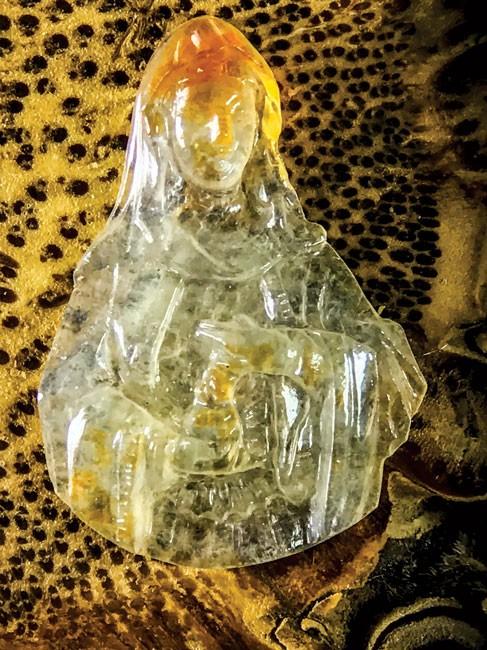 Minh Pasteur và bộ sưu tập siêu nhỏ trên đá quý  ảnh 5