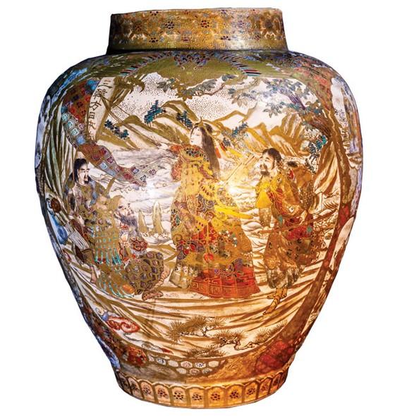 Lịch sử Hoàng gia Nhật Bản trên gốm sứ Satsuma ảnh 3