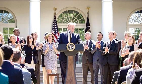 Tổng thống Mỹ Donald Trump phát biểu tại Nhà Trắng