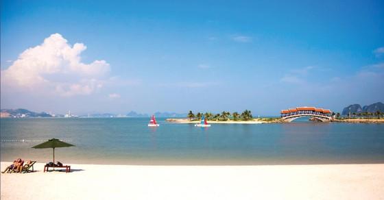 Bãi tắm thiên đường Tuần Châu-Hạ Long: Mở cửa tự do  phục vụ du khách ảnh 1