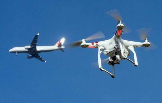Đối phó drone tại sân bay