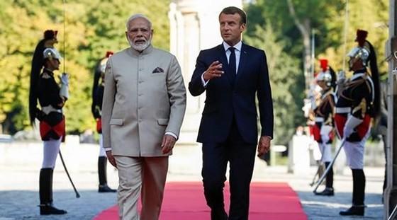 Tổng thống Pháp Emmanuel Macron và Thủ tướng Ấn Độ Narendra Modi. Ảnh: REUTERS