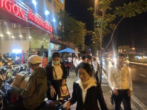 Công an xuyên đêm khám xét trụ sở Công ty Alibaba ảnh 7
