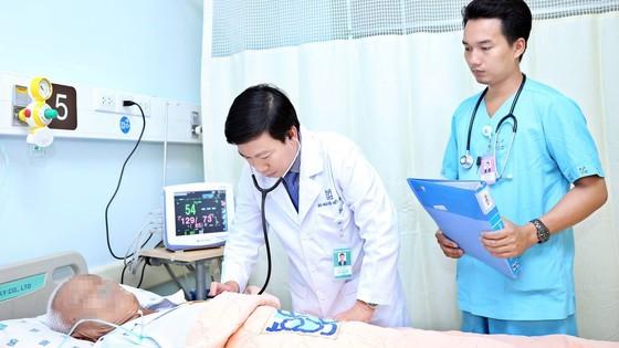 Cảnh báo hành vi mạo danh bác sĩ chữa bệnh, bán thuốc ảnh 1