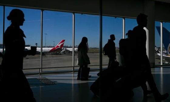 Số người tị nạn tới Australia bằng đường hàng không tăng cao kỷ lục. Ảnh: theguardian.com
