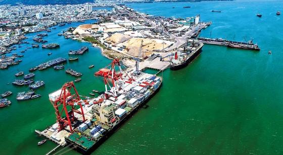 Vẫn kỳ vọng khơi thông cảng biển miền Trung ảnh 1