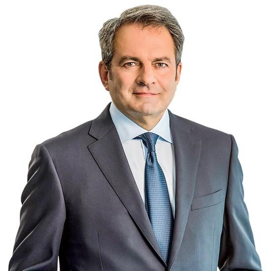 Michel Vounatsos - CEO thay đổi ngành y học ảnh 1