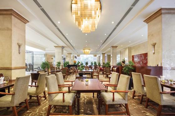 Nâng niu  người phụ nữ yêu thương cùng  Rex Hotel Saigon ảnh 6